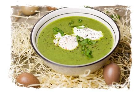 Suppe mit Kräutern