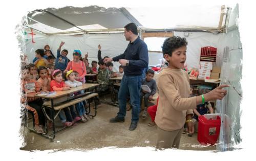 Zeltschule Unterricht